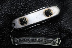 クロムハーツのアーミーナイフです。