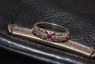 ルビーをパヴェカスタムしたクロムハーツの指輪